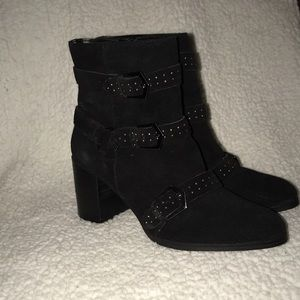 Fergie leather suede boots